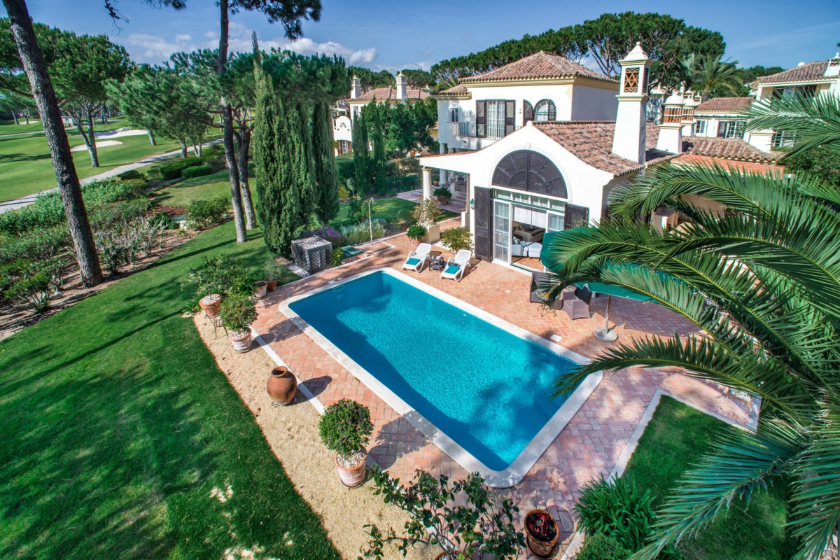 Traditional 3 Bedroom Villa with Private Pool and Golf Views