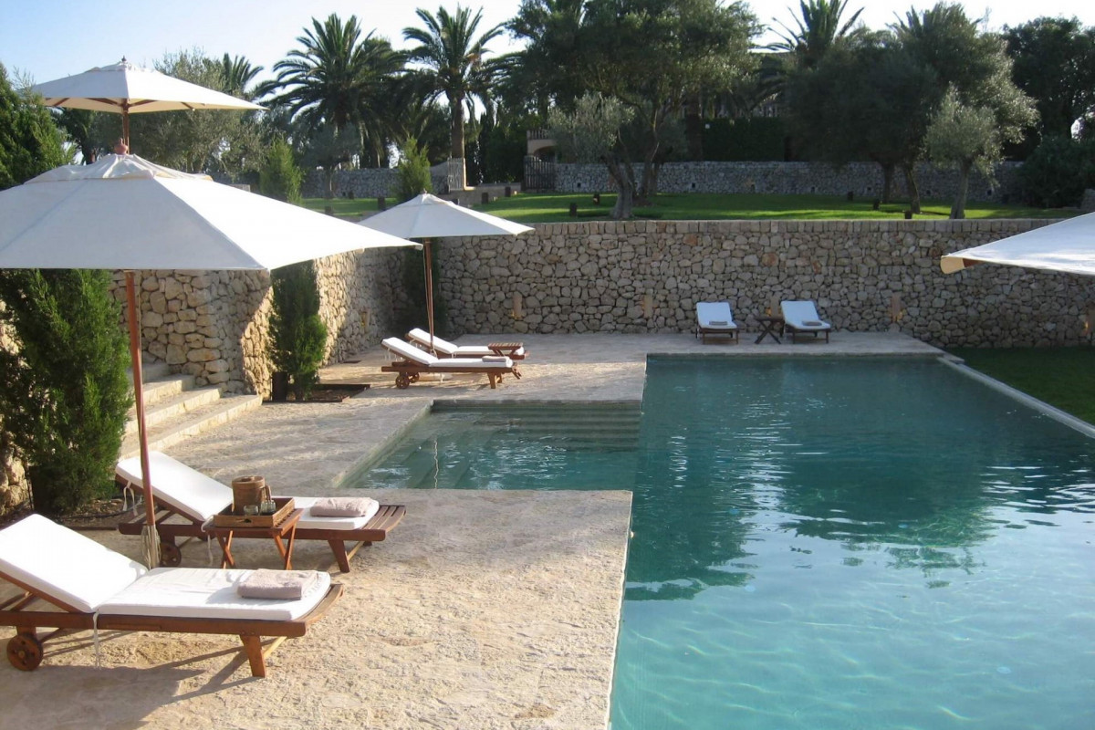 Traditional Stone Built 6 Bedroom Villa with Private Pool