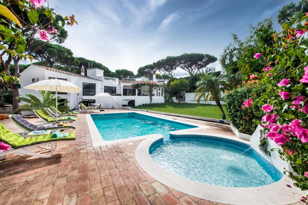 Luxury 7 Bedroom Villa with Private Pool in Vale do Lobo