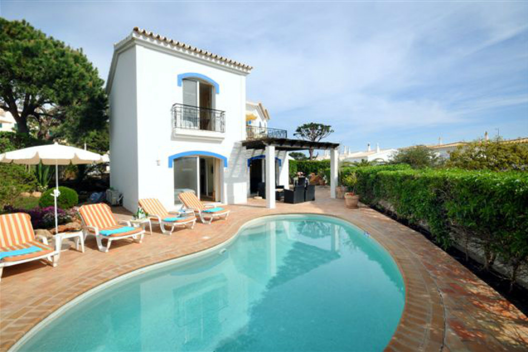 Traditional 3 Bedroom Villa with Private Pool