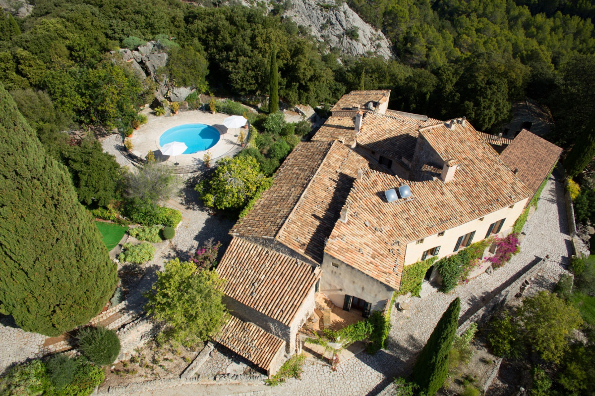 6 bedrooms / Pollenca / 13th Century Olive Estate / Swimming Pool / Volleyball Court